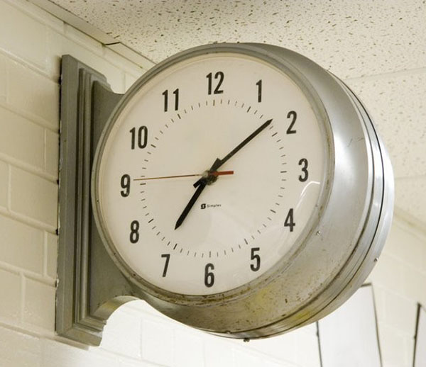 Image of a clock on the wall